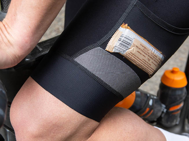 bibshort pockets